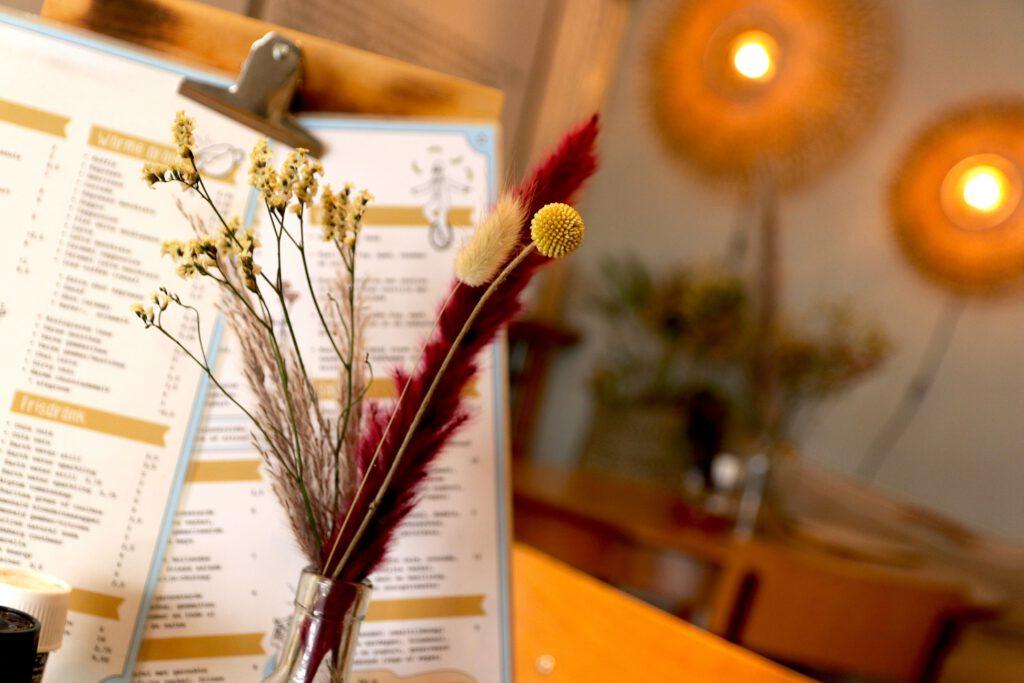Lunchen bij Appeltje Eitje Scheveningen - Den Haag - Droogbloemen
